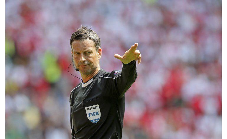 Inglés Clattenburg dirigirá la final de la Eurocopa