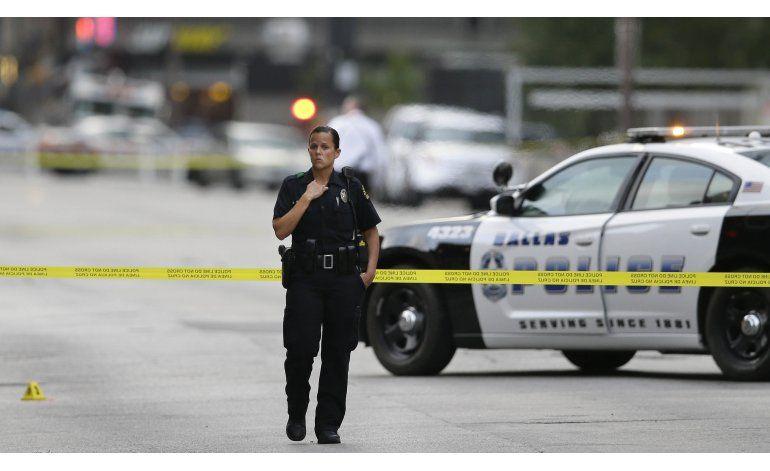 Matanza en Dallas reaviva debates racial y de armas en EEUU