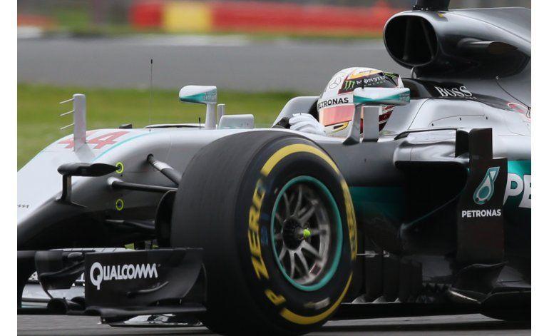 Hamilton logra la pole del GP de Gran Bretaña