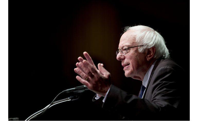 Sanders fracasa en incluir oposición a tratados comerciales