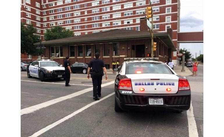LO ÚLTIMO: Identifican a policía baleado en St. Louis
