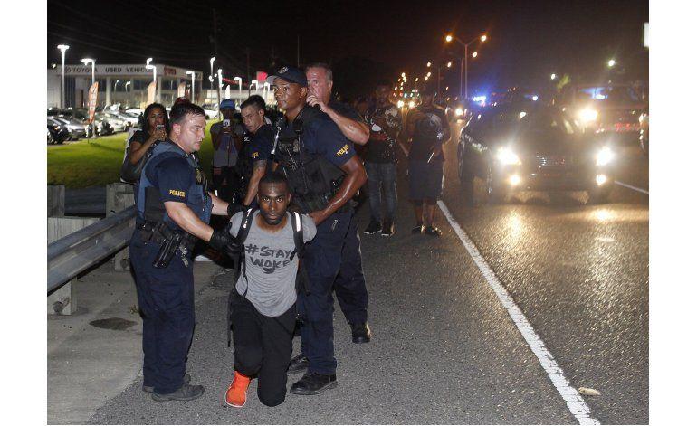 Protestas en Baton Rouge y St. Paul por violencia policial