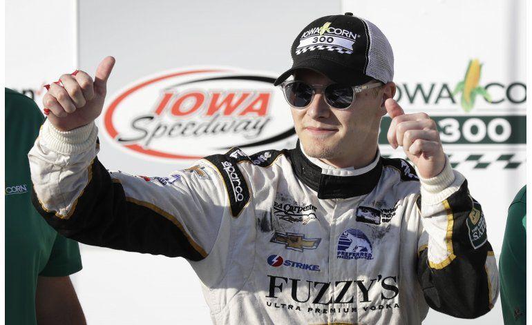 Newgarden se queda con el triunfo en la IndyCar en Iowa