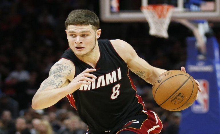 El Heat sorprende con la firma de Tyler Johnson