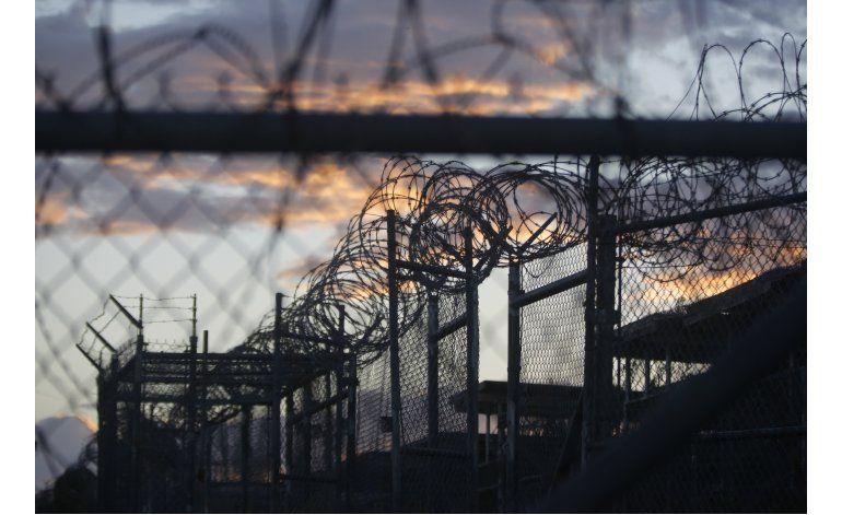 Envían a Serbia a 2 presos de Guantánamo