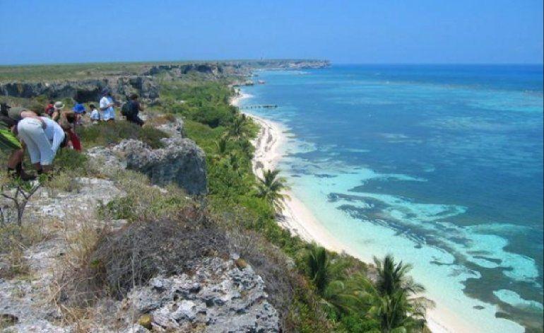 Catorce cubanos desembarcan en islote de Puerto Rico