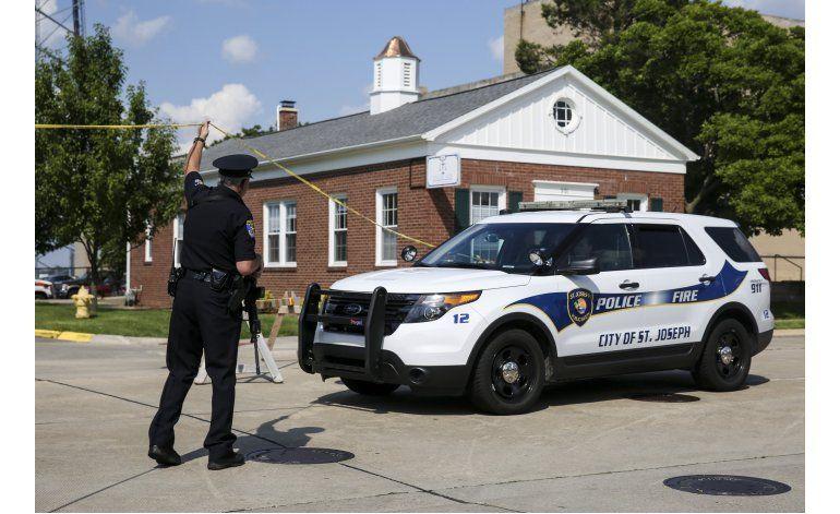 Balacera en sala de juzgados en Michigan deja 3 muertos
