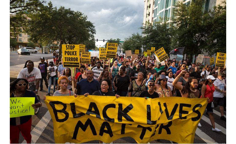 Actuaciones policiales siguen generando protestas en EEUU
