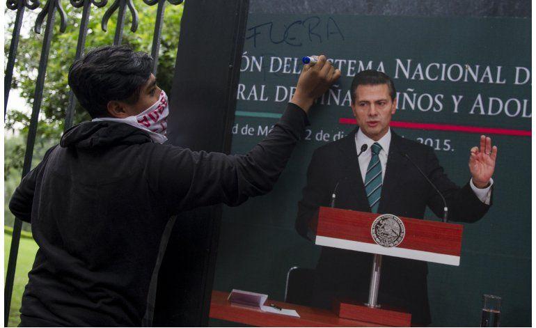 México acepta revisar parte de la reforma educativa