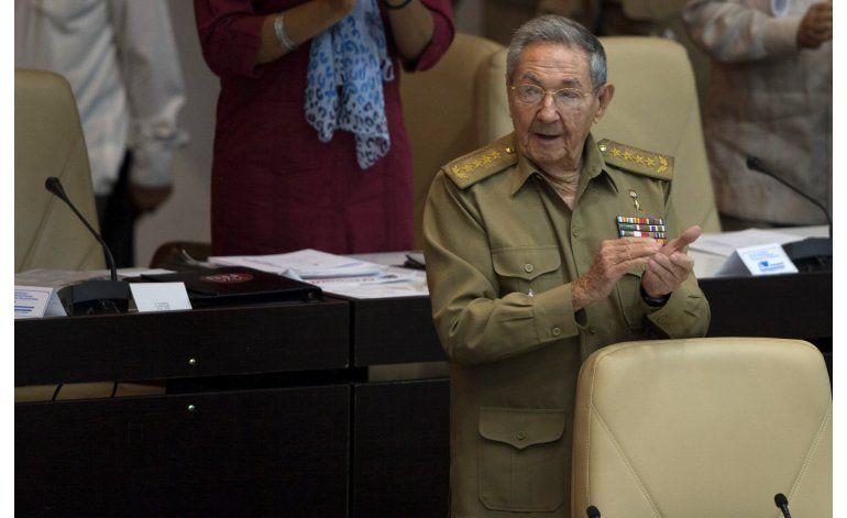 Cuba: Castro cambia a su ministro de Economía