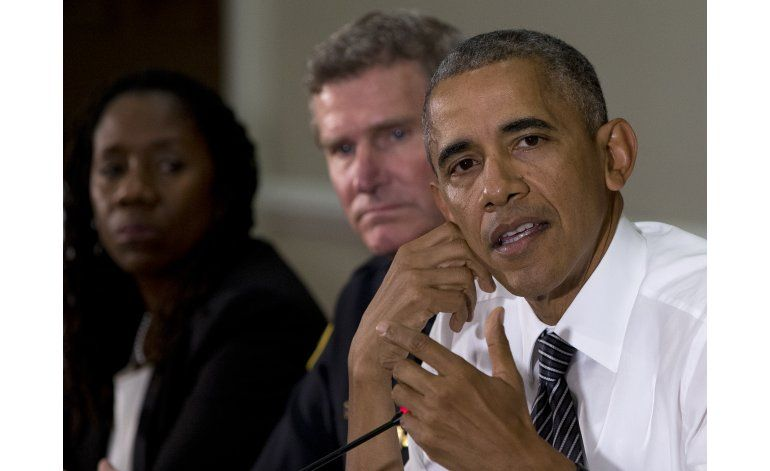 Obama: Lejos de resolverse los problemas policía-comunidad