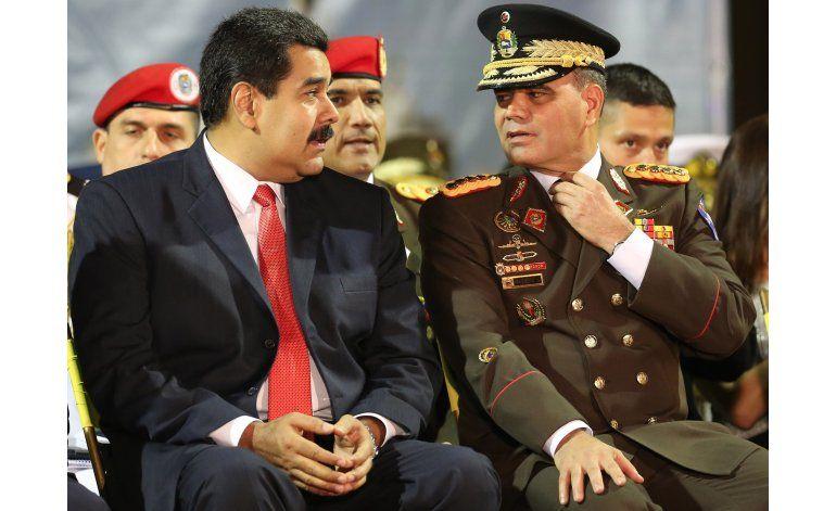 Maduro da más poder a Ejército, responsable por crisis