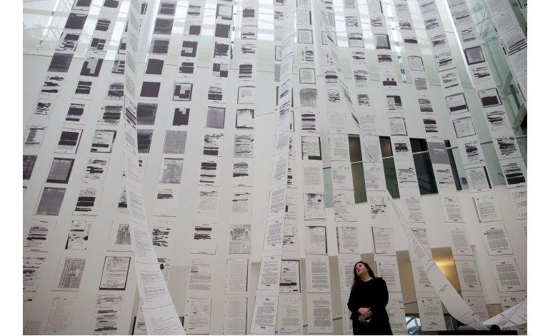 Muestra de artista chilena aborda revelaciones de la CIA