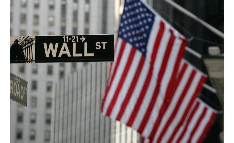 Wall Street cierra con altibajos