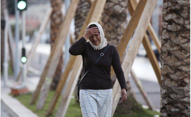 Francia llama a miles de reservistas tras ataque en Niza
