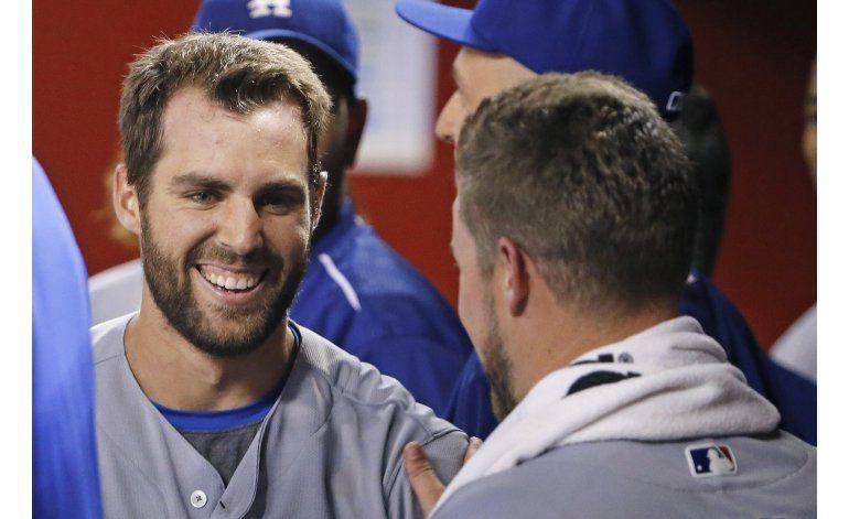 Taylor se queda cerca del ciclo, Dodgers ganan a Arizona
