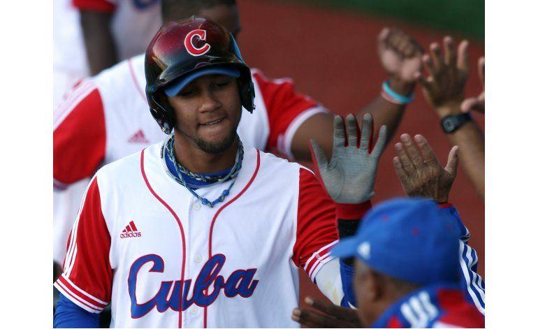 Astros fichan al cubano Yulieski Gurriel por 5 años