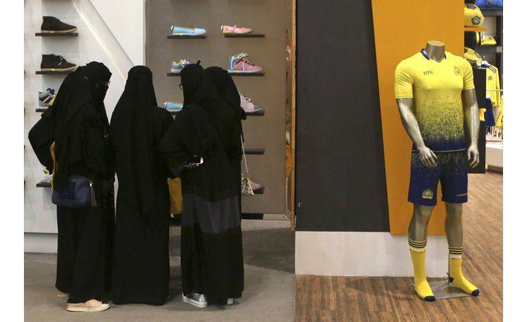 HRW: Tutela masculina dicta la vida de las mujeres saudíes