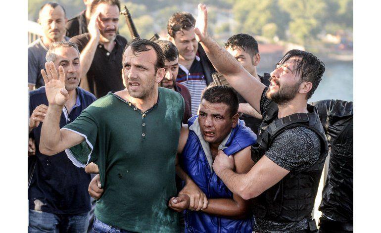 LO ULTIMO: Detienen a 149 policías en Ankara