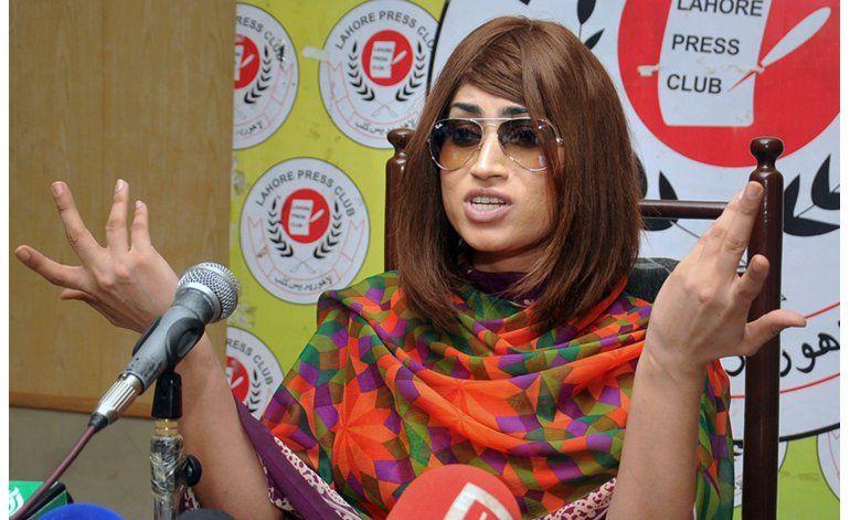 Policía paquistaní detiene a hermano de modelo asesinada
