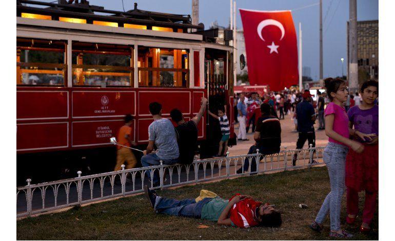 LO ULTIMO: Erdogan dijo que escapó de la muerte por minutos