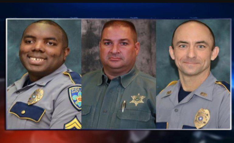 Baton Rouge llora a tres policías asesinados