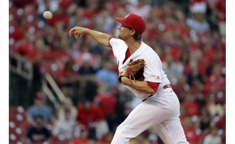 Leake receta 11 ponches y Cardenales aplastan a Padres