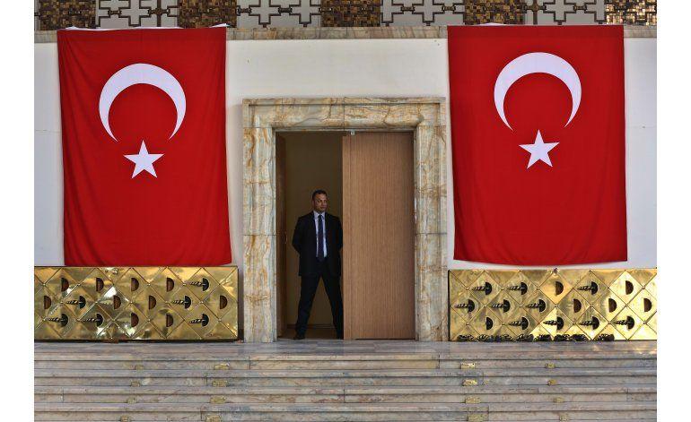 Turquía corta acceso a WikiLeaks por publicación de correos