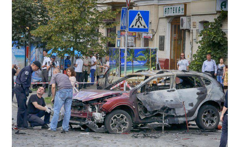 Un coche bomba mata a un destacado periodista en Ucrania