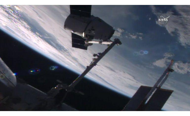 Cápsula de SpaceX lleva suministros a la Estación Espacial