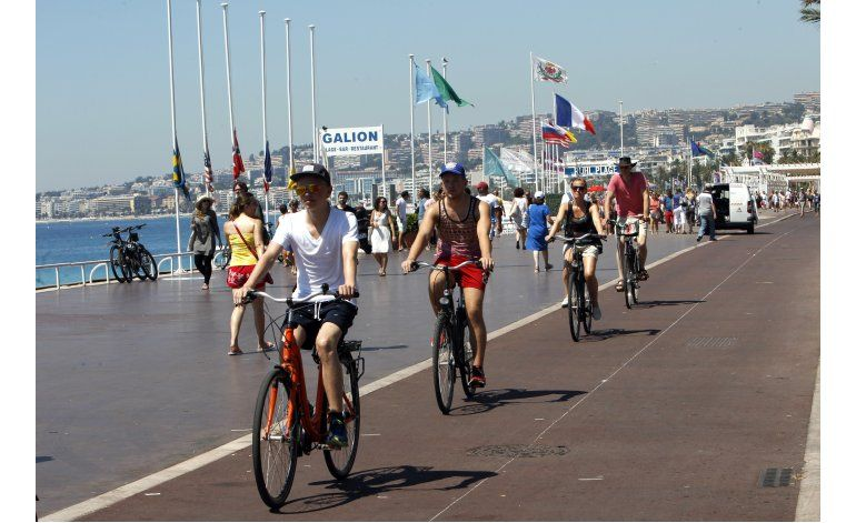 Francia: Legisladores extendieron estado de excepción