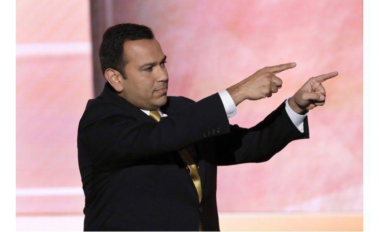 Senador hispano de Kentucky pide en español votar por Trump