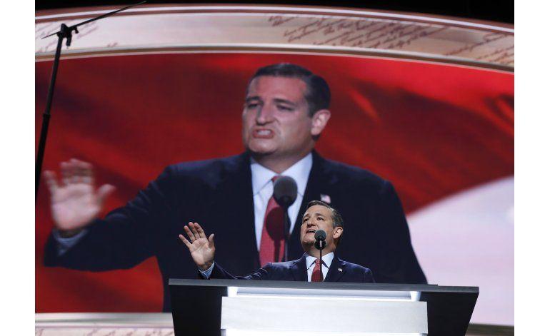 Cruz dice que no apoyará quien lanzó ataques a su familia