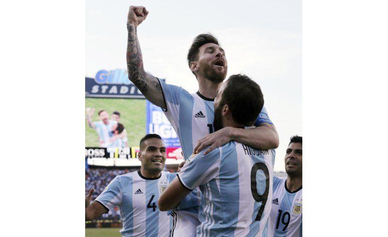Comisión de FIFA toma riendas de un fútbol argentino en caos