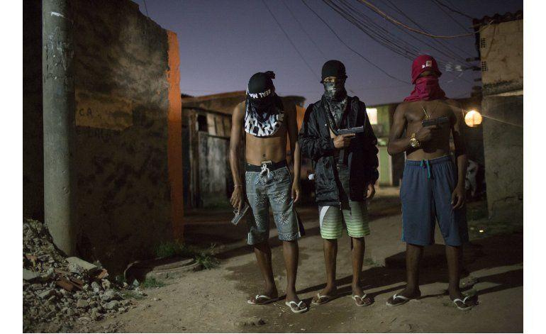 La delincuencia sigue al frente de las favelas de Río