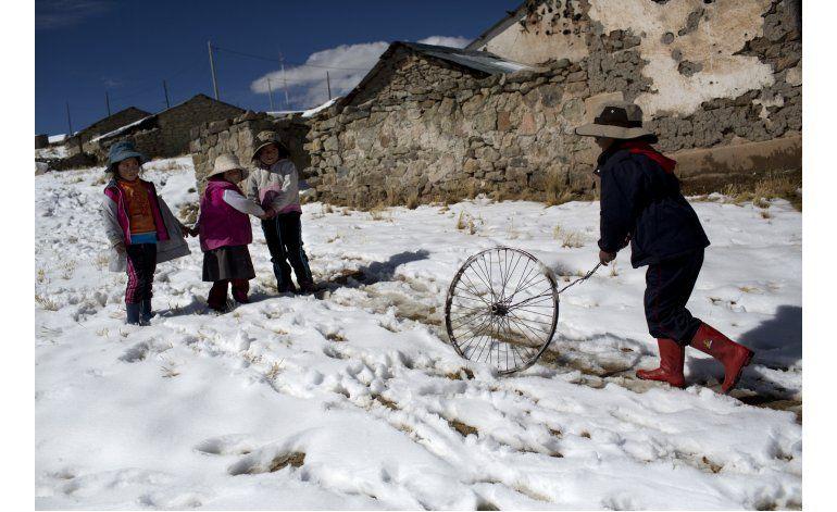 Invierno, enemigo mortal de los pastores de alpacas en Perú