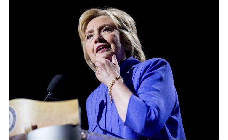 Campaña de Clinton lanza app anti Trump