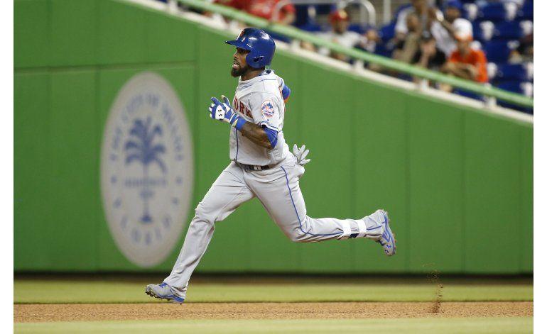 Reyes batea tres hits en victoria de Mets