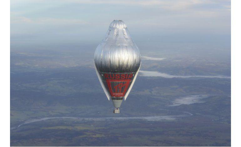 Aeronauta ruso aterriza a salvo en Australia tras 11 días
