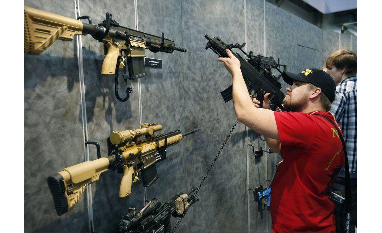 Más estadounidenses favorecen control sobre venta de armas