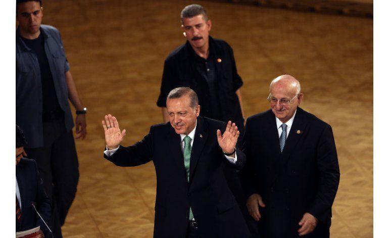 Turquía: Gobierno toma control de instituciones educativas