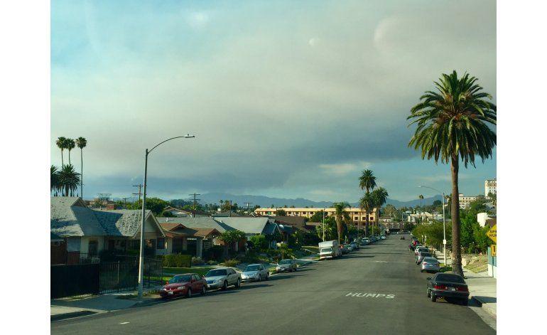 Intensos incendios forestales cerca de Los Ángeles y Big Sur