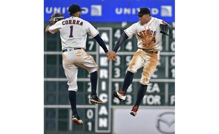 Gattis y Correa pegan jonrón; Astros ganan 7-2 a Angelinos