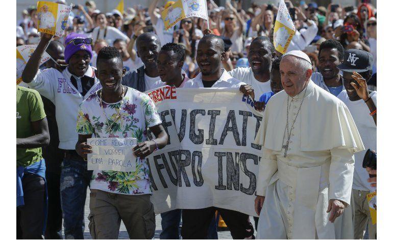 Polonia difiere del papa sobre migrantes, antes de su visita