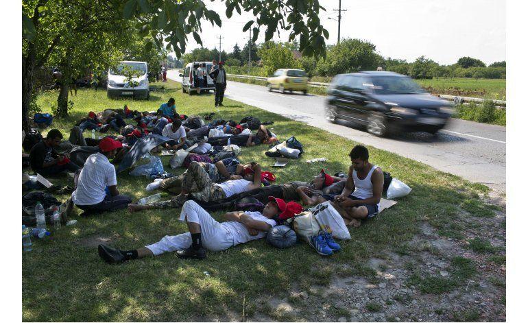 Migrantes protestan por cierre de fronteras en Europa