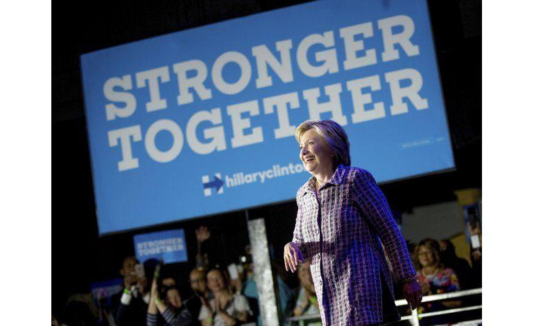 Clinton critica a Trump por temas de relaciones exteriores