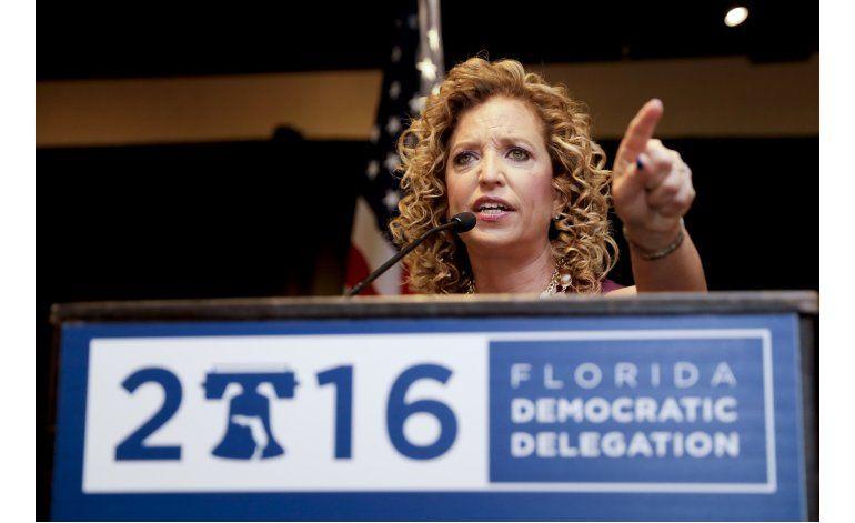 Sanders pide a simpatizantes que apoyen a Hillary Clinton