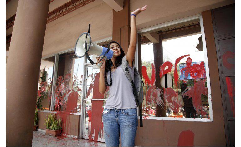 Hija de Berta Cáceres pide justicia en Filadelfia
