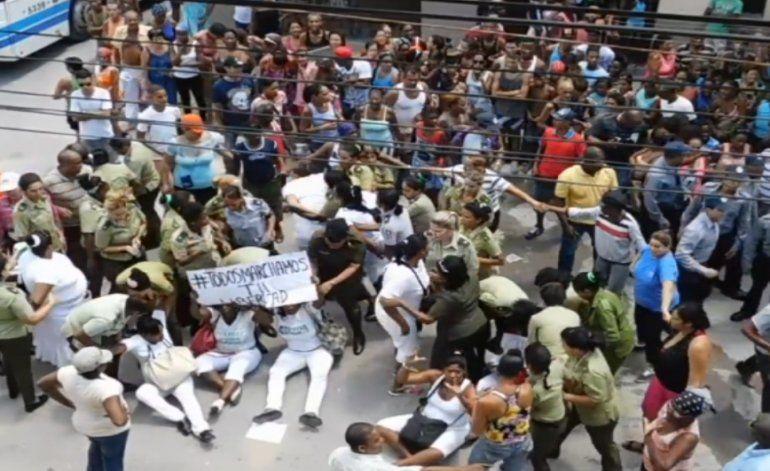 Régimen  cubano desató otro domingo de golpizas y ataques contra Damas de Blanco