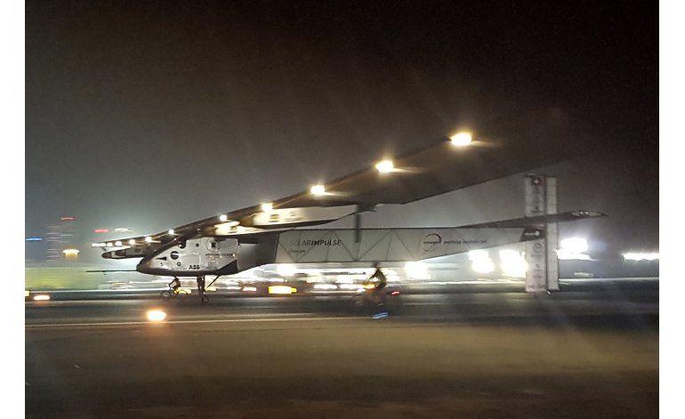 Avión solar completa vuelta al mundo